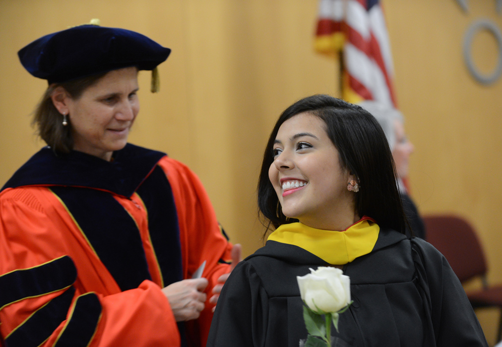 Hooding 1and honors DEC2014 (2)